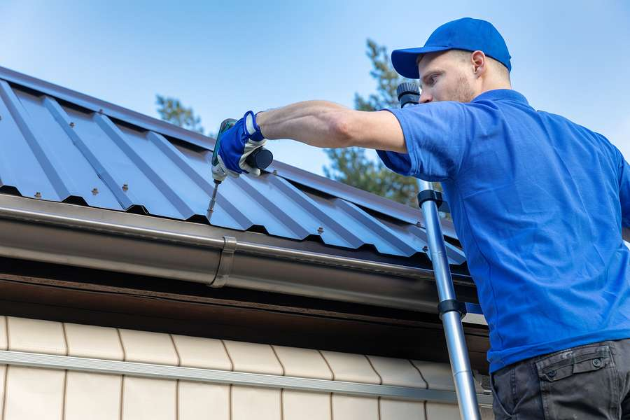 Hire Our Metal Roofing Contractors in the Clarksville, TN Area